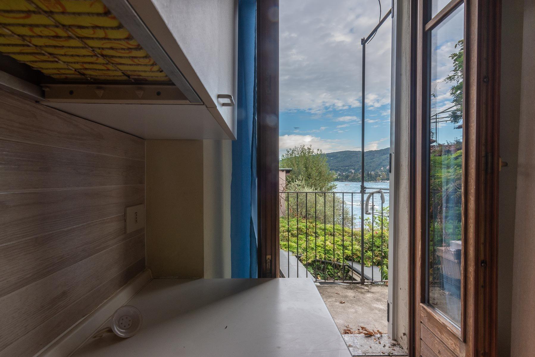 Appartamento in vendita sull'Isola Pescatori, Stresa-cucina con vista
