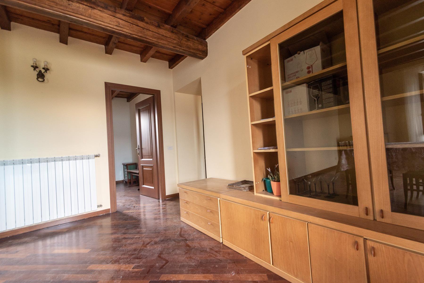 Appartamento in vendita sull'Isola Pescatori, Stresa-soggiorno 02