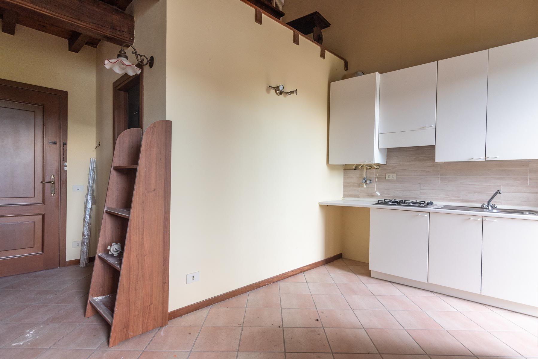 Apartment for sale in Pescatori island,Stresa-kitchen