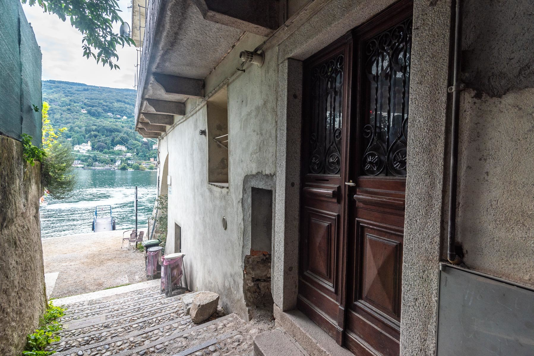 Apartment for sale in Pescatori Island,Stresa - street view