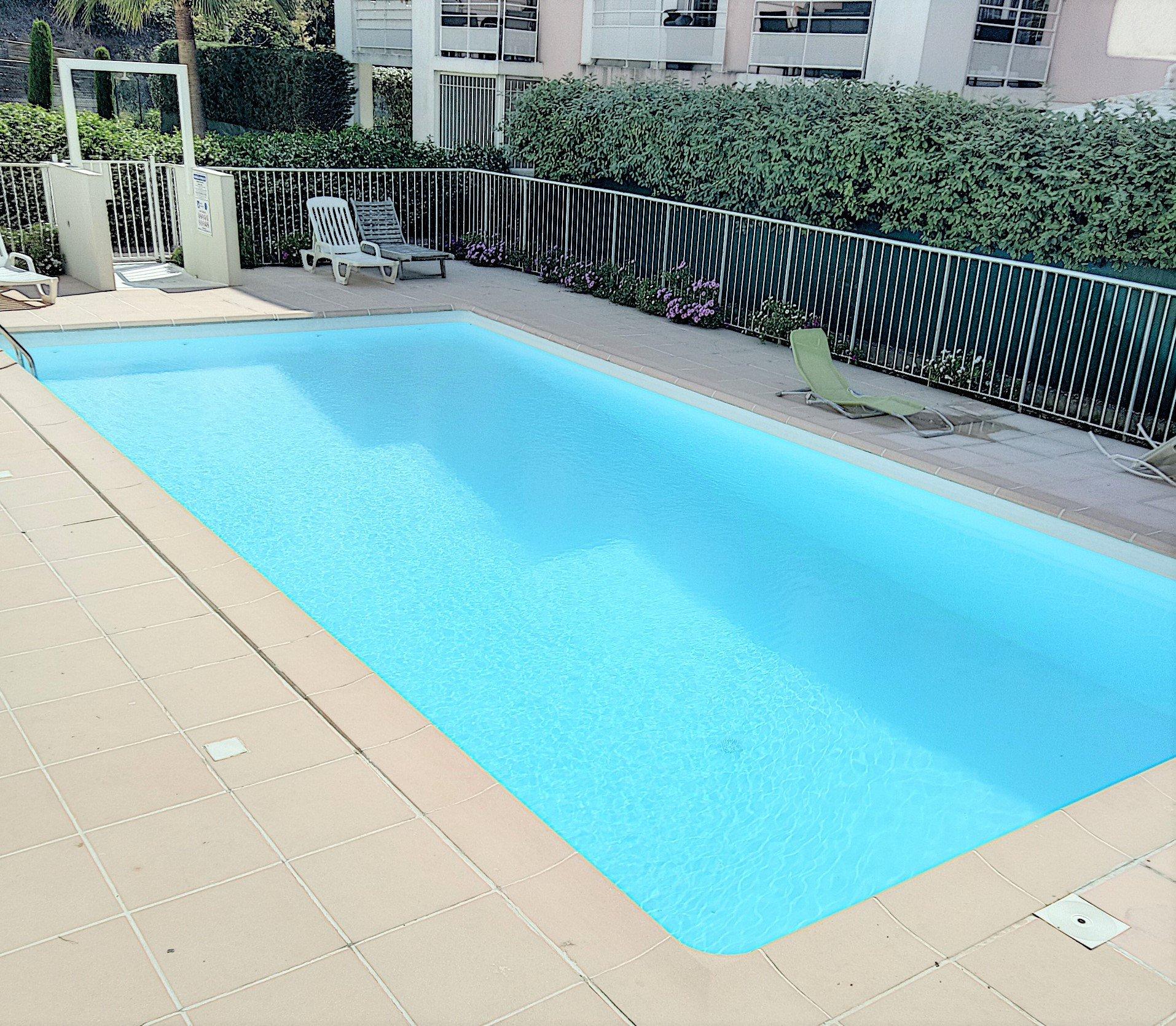 Saint-Laurent-du-Var ( 06700 ) - Appartement 2 pièces - Terrasse - Parking
