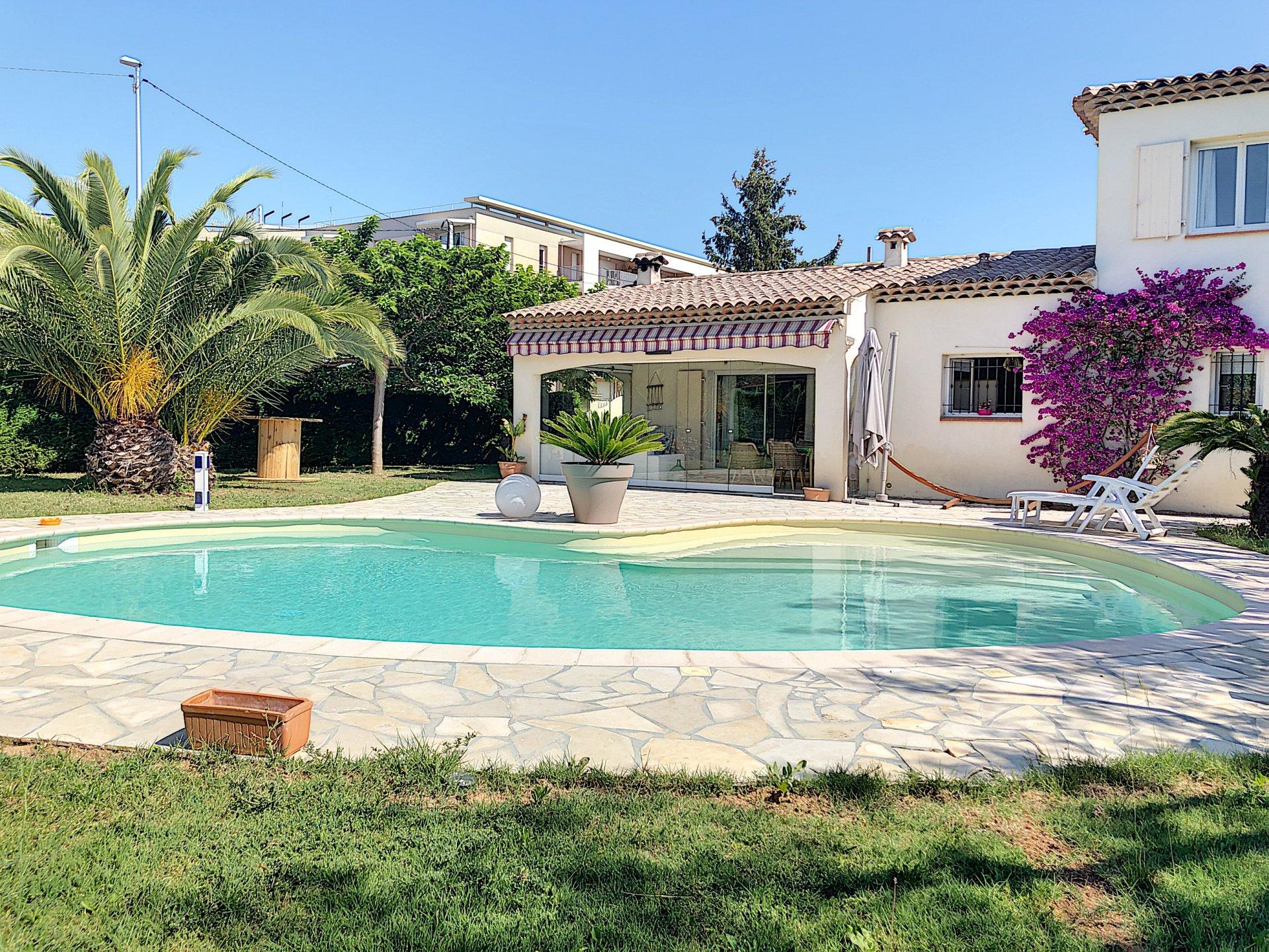 Carros Les Plans (06510) - villa individuelle - piscine