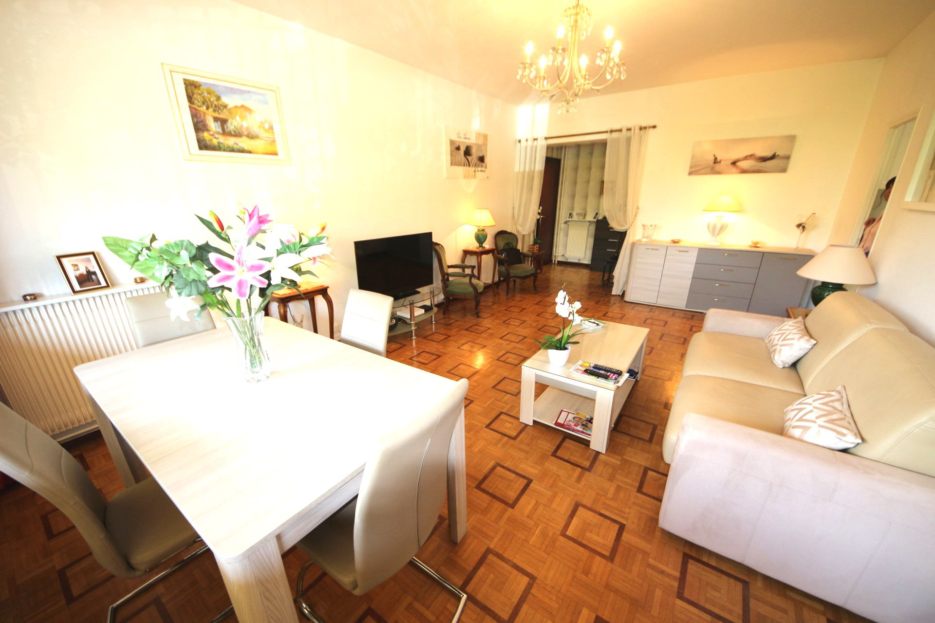Cannes Montfleury one bedroom 56 Sqm 5 mn walking from beaches