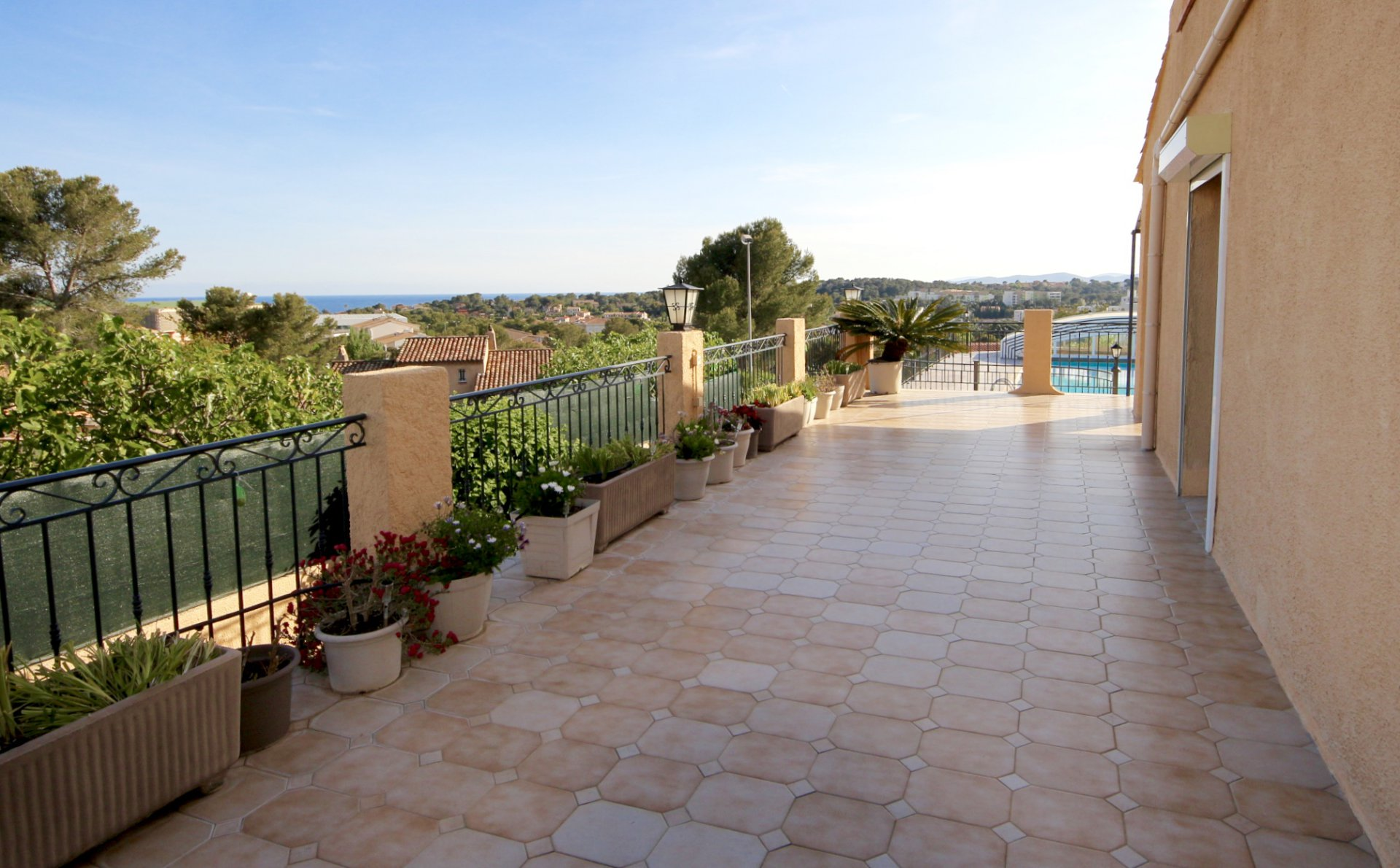 Saint Raphaël,  Belle villa avec superbe vue jusqu'à la mer