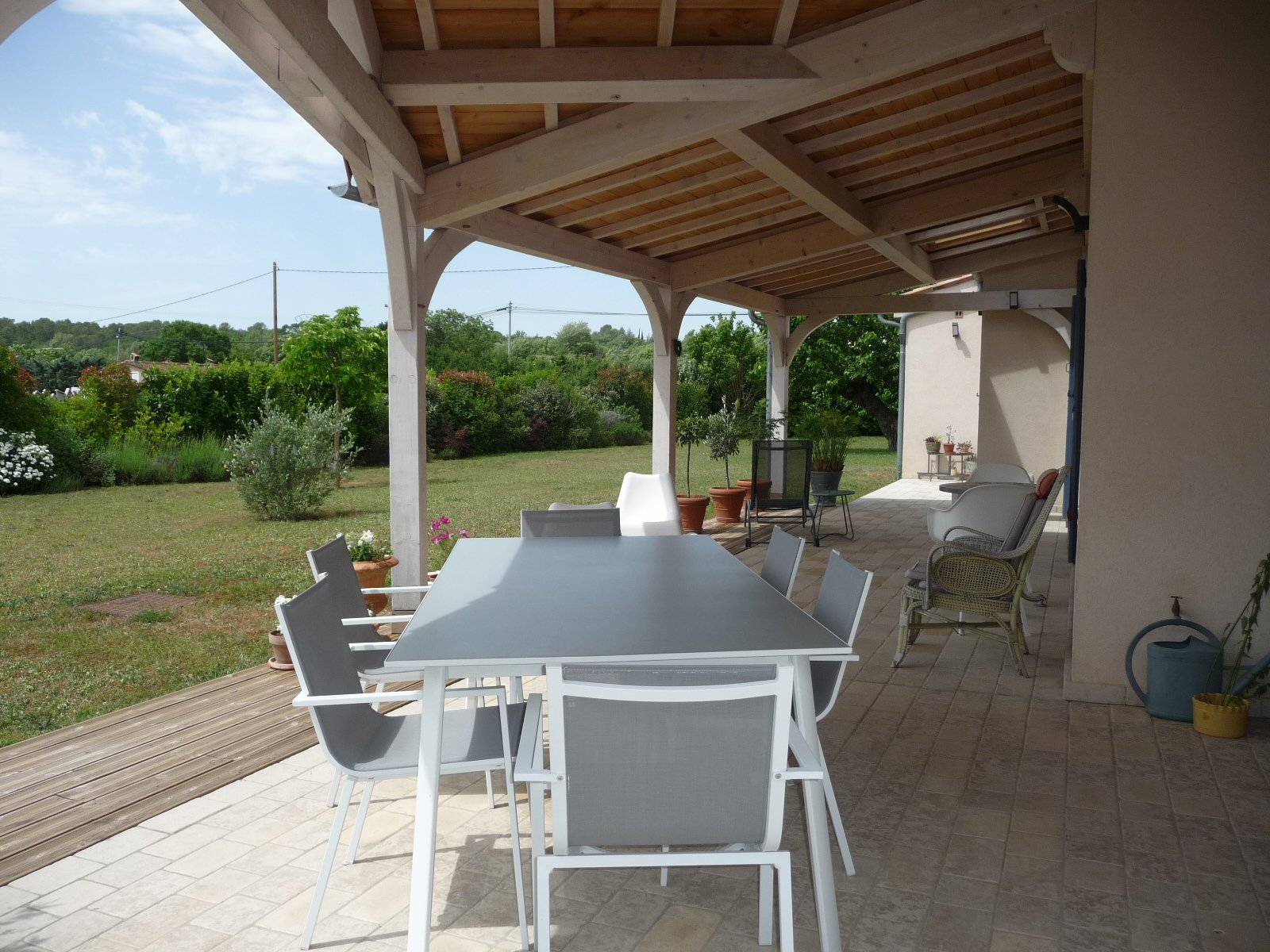 Villa in good condition on a nice plot of 2500m²