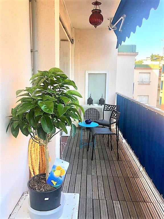 Haut Cessole DERNIER ETAGE  2P + balcon  parfait état
