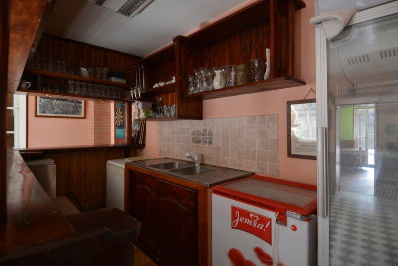 Bar Restaurant avec appartement HERRAN