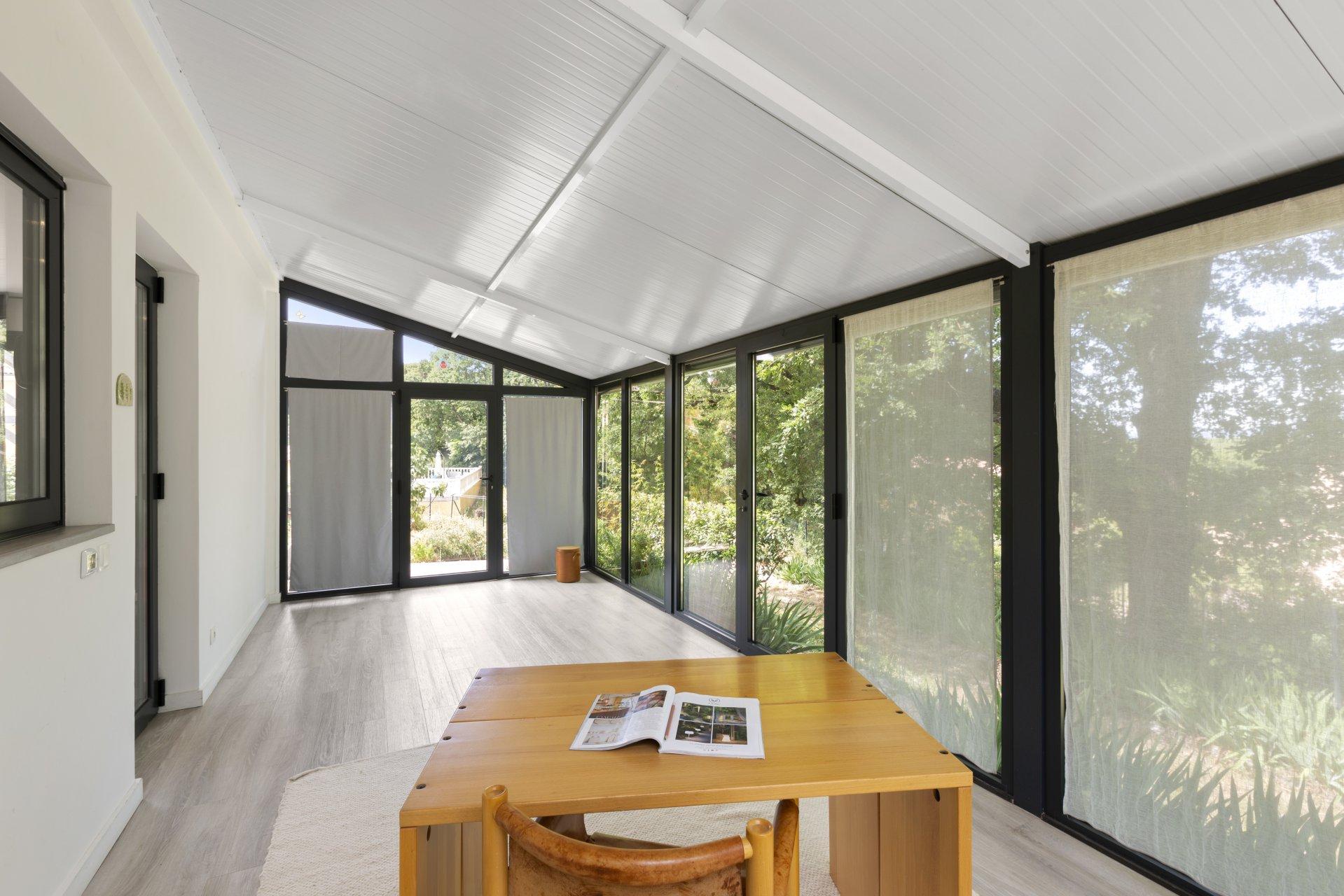 Saint Vallier: Belle maison bioclimatique neuve avec garage, située à pied du village, dans un secteur résidentiel.