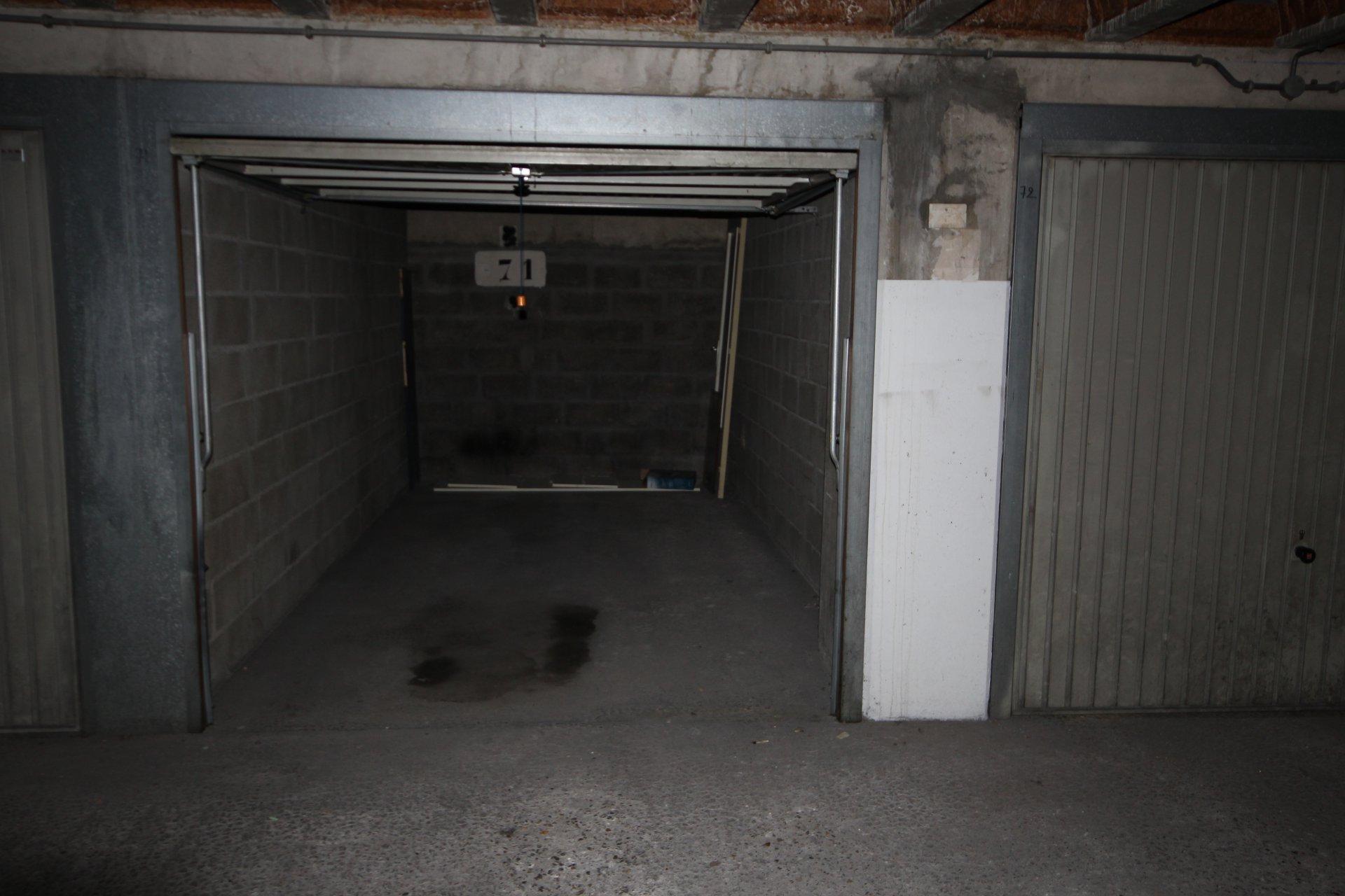 BOX 12 M2 - METRO ALESIA