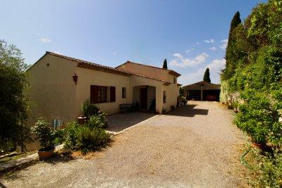 Villa 236m2+ Maison individuelle à Grasse