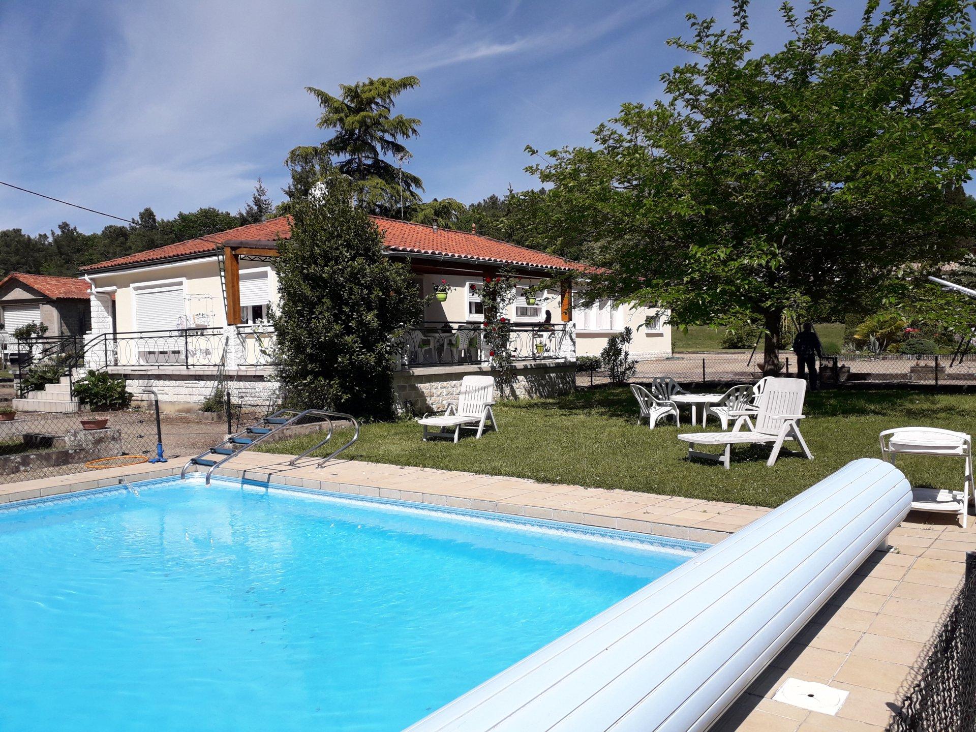 Maison de PP avec piscine et tennis