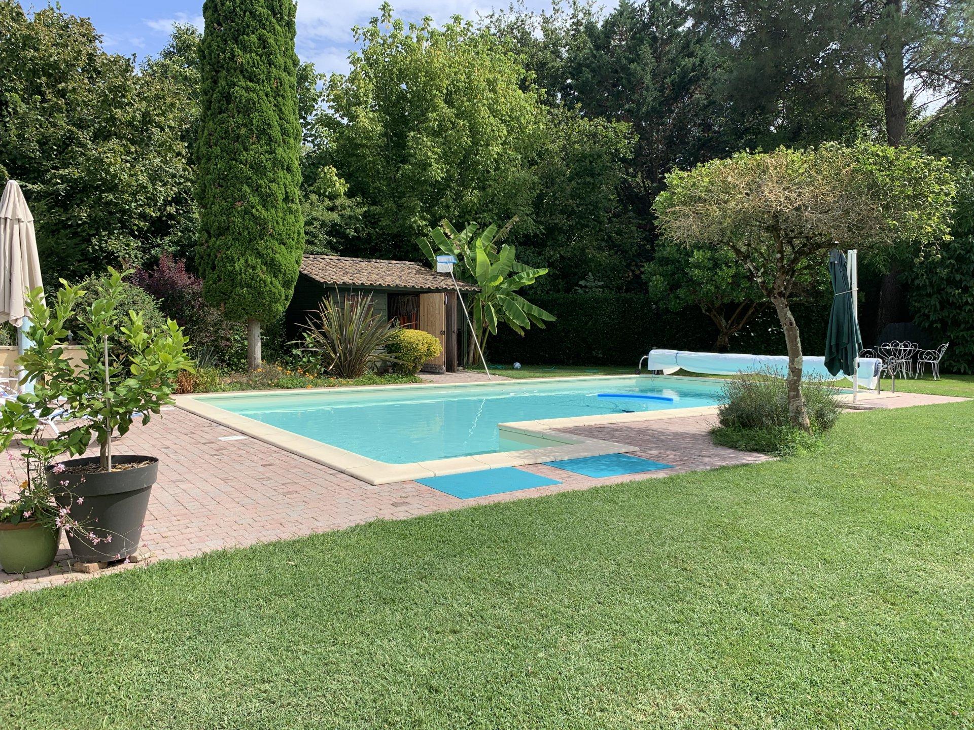 Belle périgourdine avec piscine