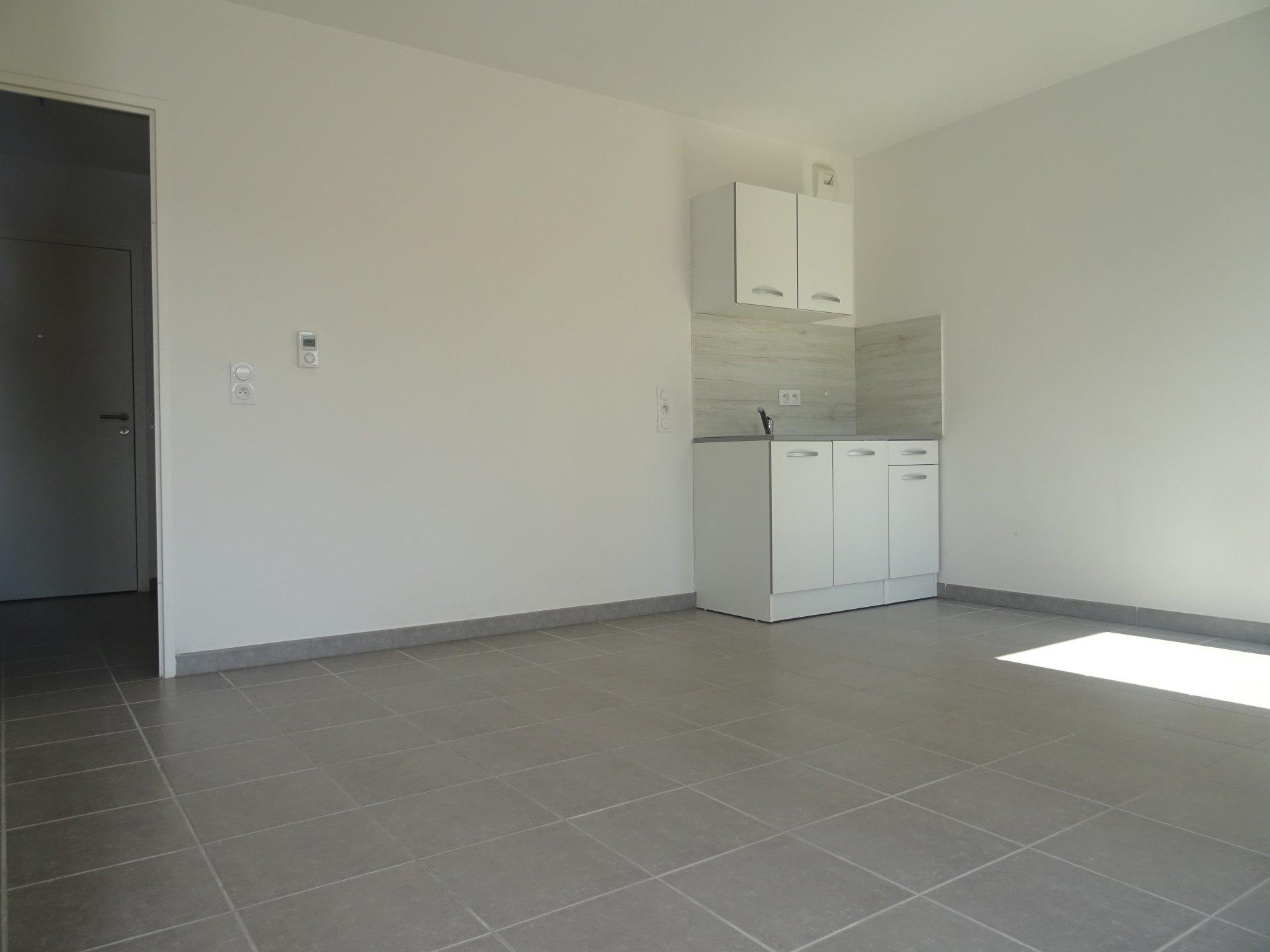 Studio 28 m² + belcon 9 m²
