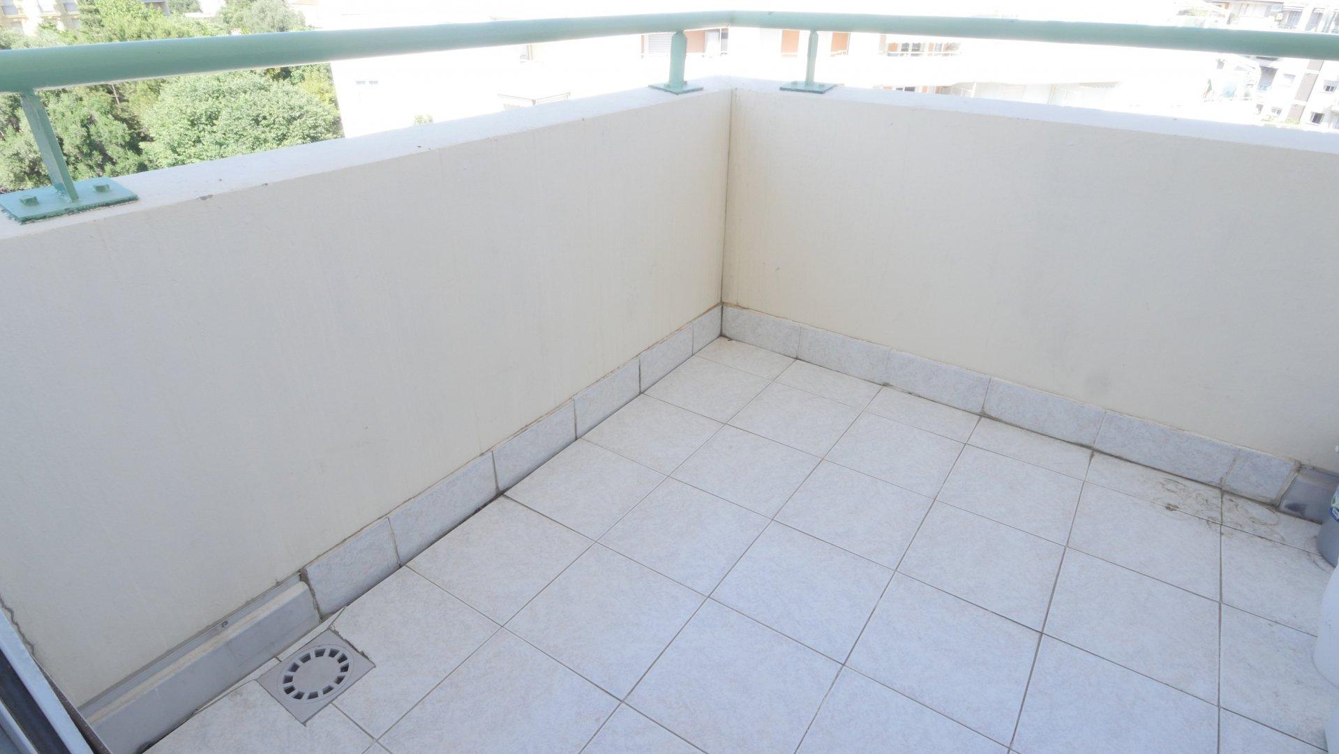 RUE DE FRANCE, 2 pièces avec balcon et cave