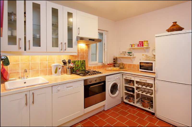 2-bed apartment in Nice Old Town (Unfurnished)