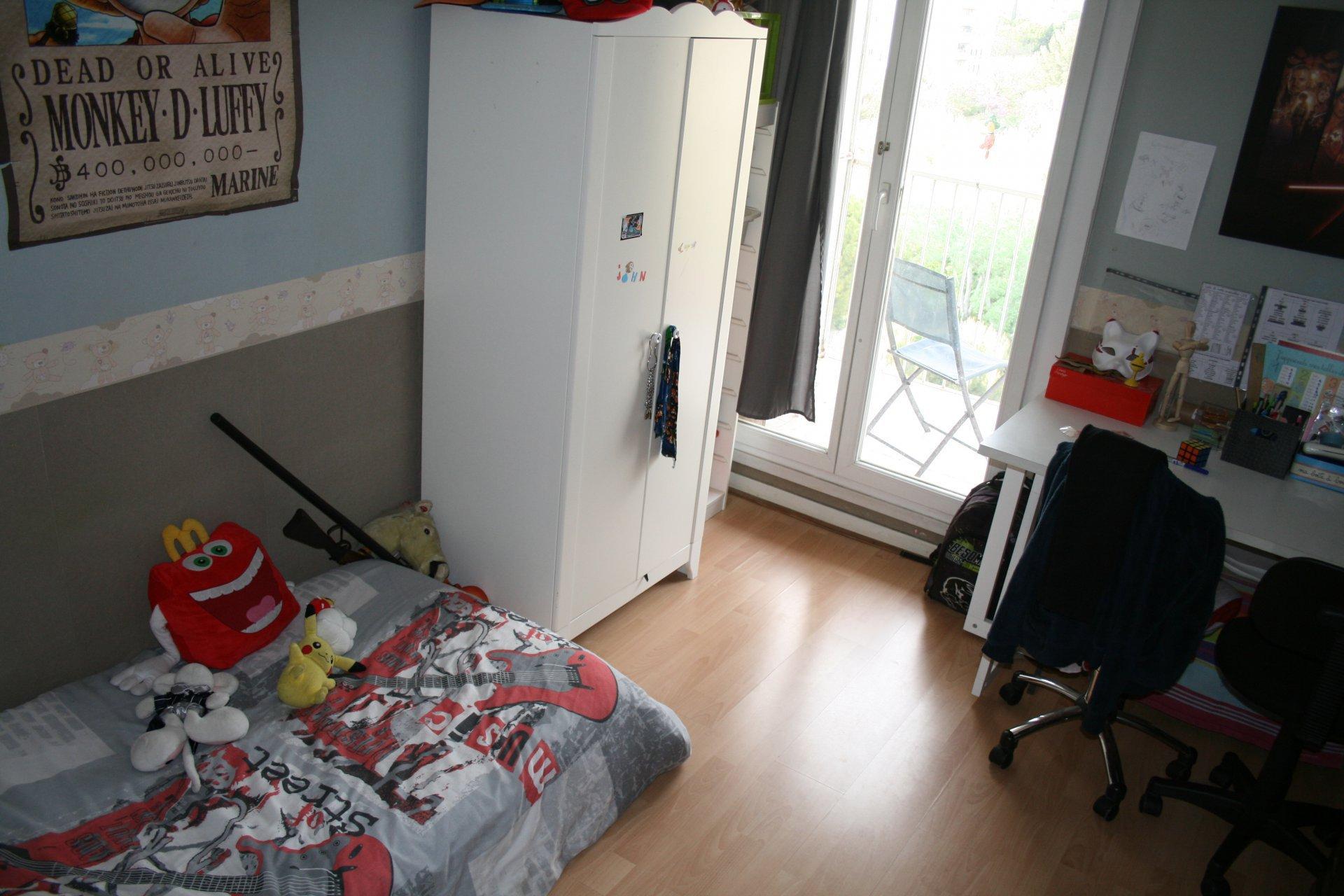T4 de 76 m2 avec balcons, cave et parking
