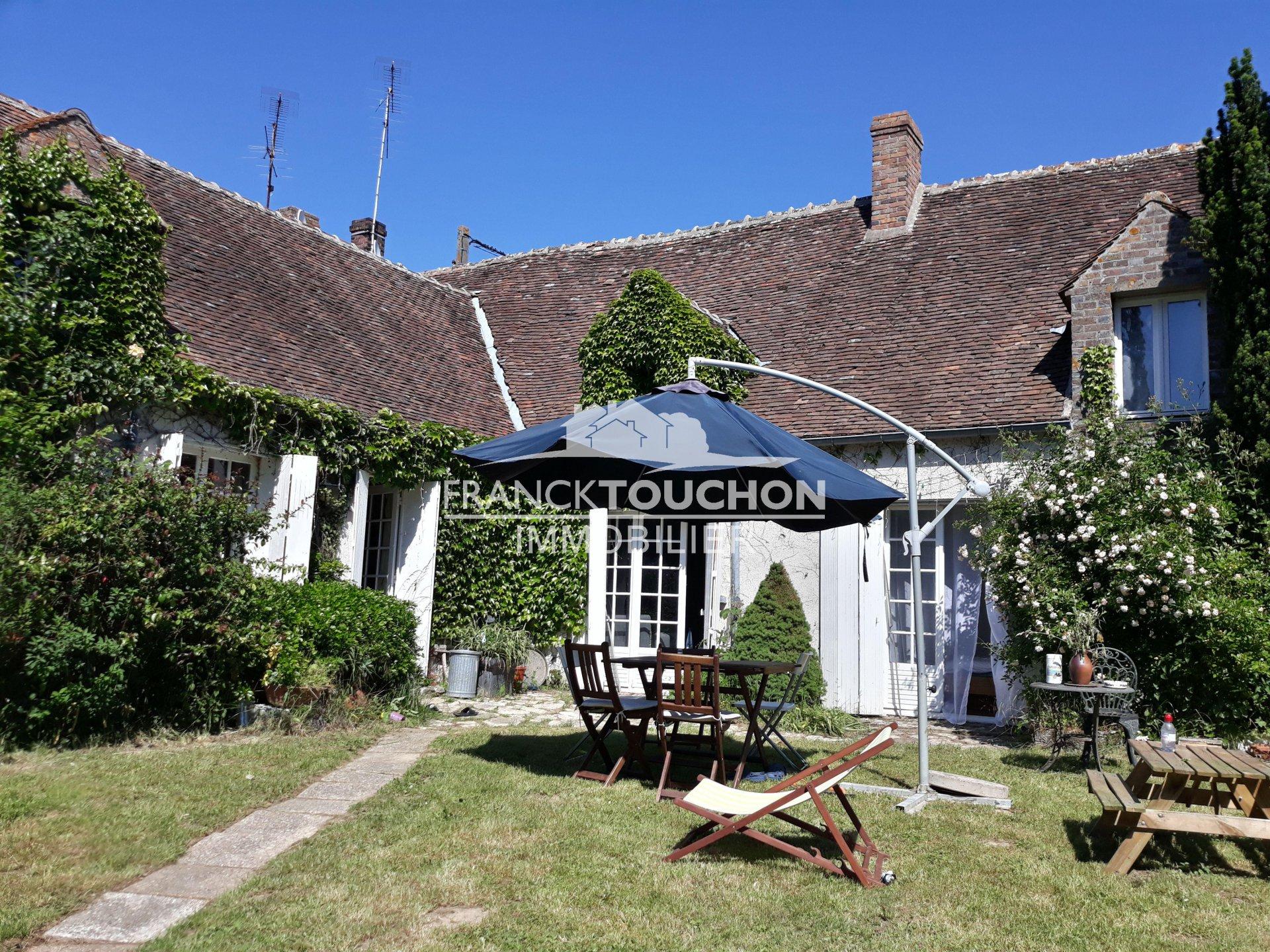 PROPRIETE à 10 min de FERRIERES EN GATINAIS (45210) - 179 m² hab - 4 chambres - 6365 m² terrain - à 1h20 de PARIS