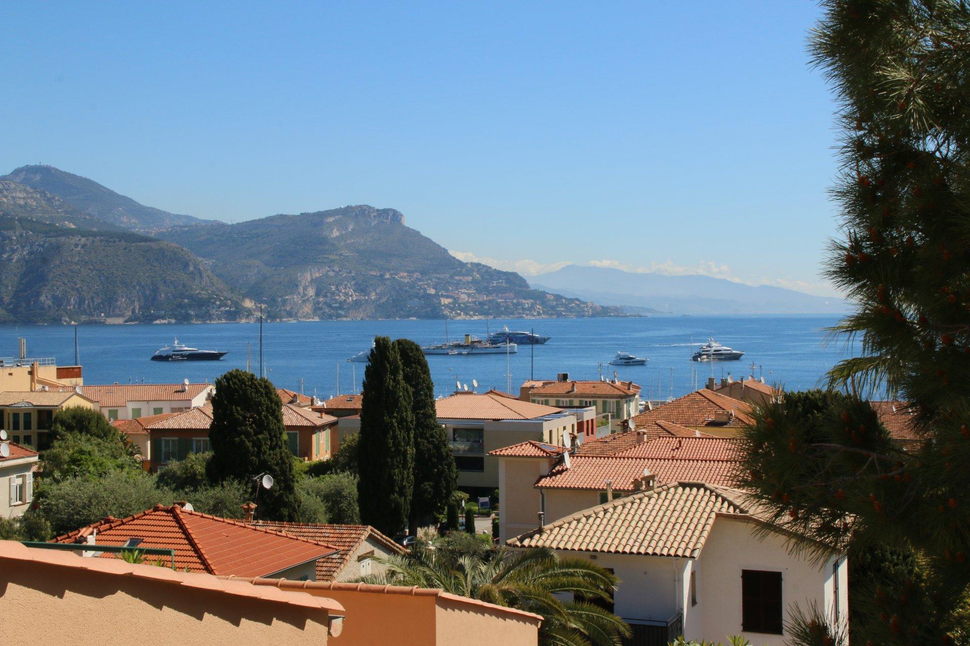 Saint Jean Cap Ferrat, 3 pièces, vue mer, terrasse et jardin