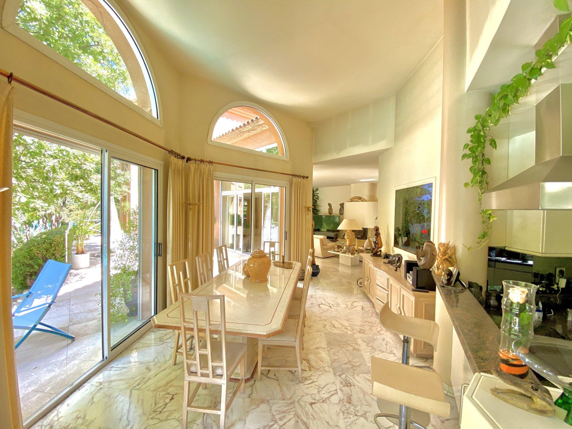Villa d'architecte / Aix-en-Provence Sud