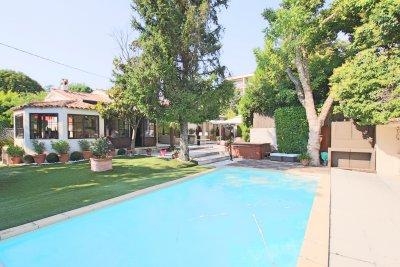 Villa D'architecte en ville de plain pied / Aix-en-Provence
