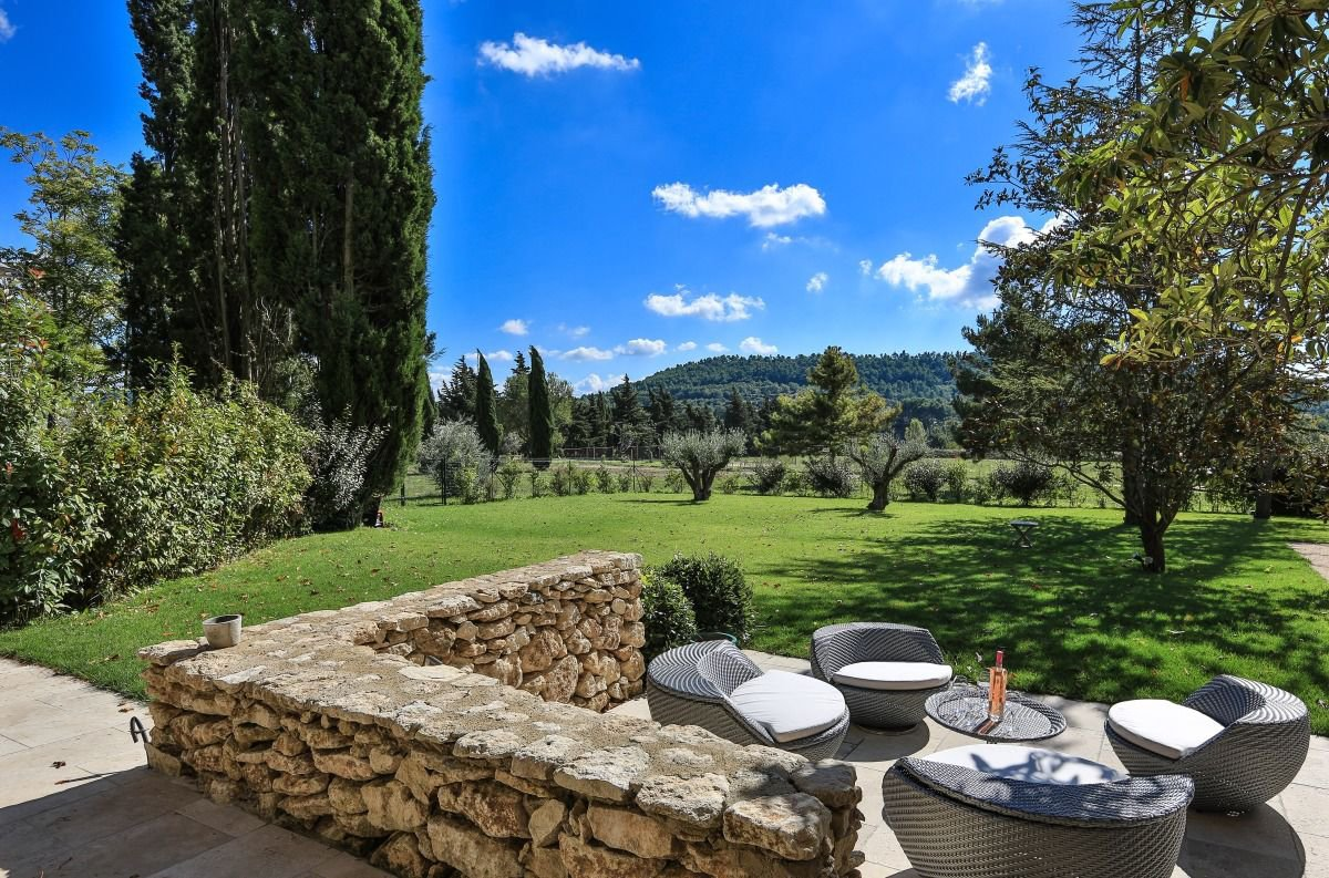 Exceptional property on Lourmarin