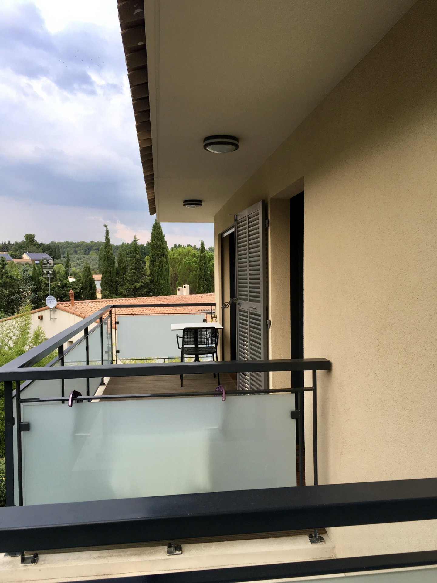 T3 56 m2 Aix en Provence in secure residence