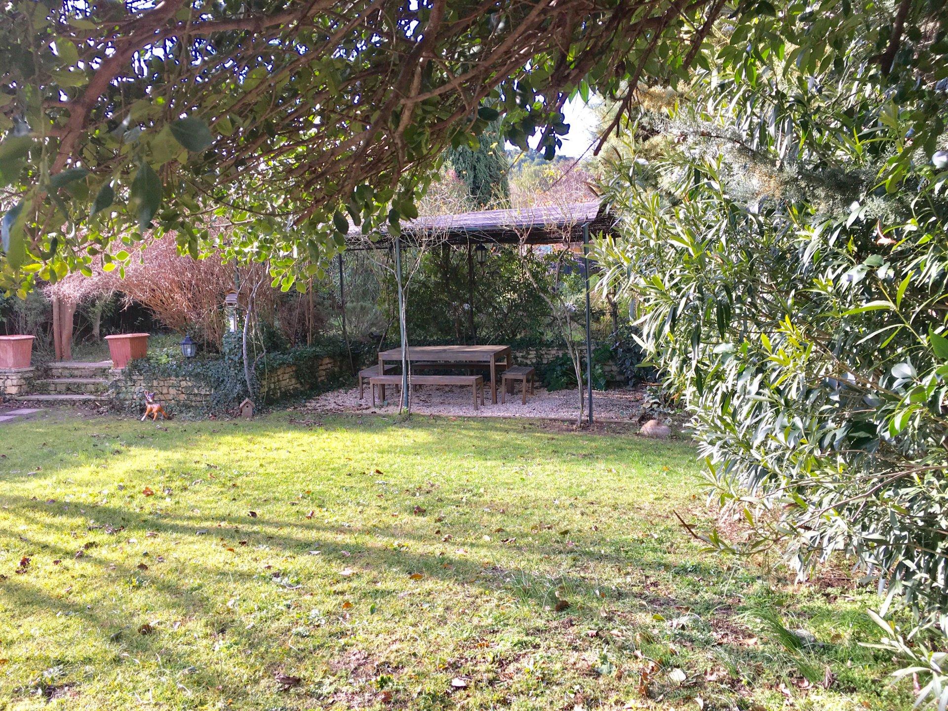 Maison de village avec jardin La roque d'Anthéron