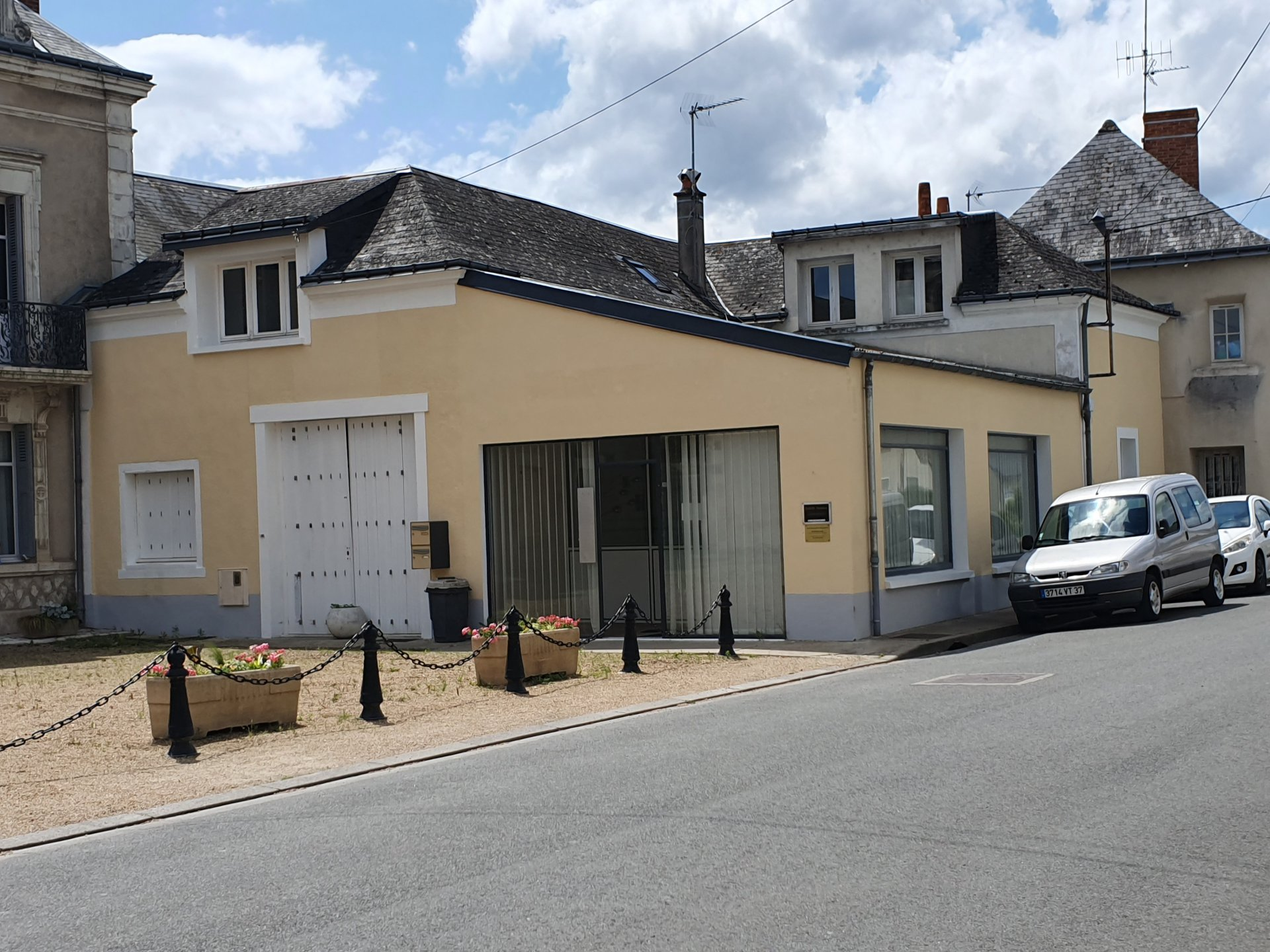 Sale Village house - Savigné-sur-Lathan