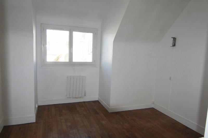 Appartement 3 pièces hyper centre, au 1er étage  !!