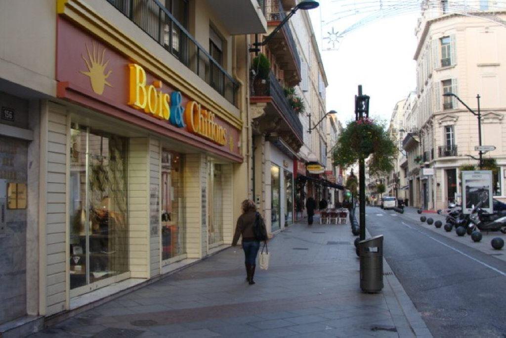 CANNES RUE D'ANTIBES - LOCATION