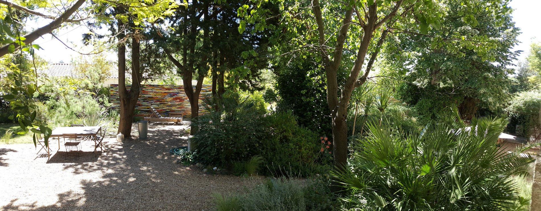 Ancien chai restauré avec grand jardin Mediterranean