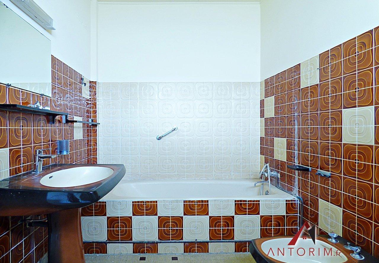 TERREVILLE - Villa T4 + T2 - Jardin - Secteur Calme