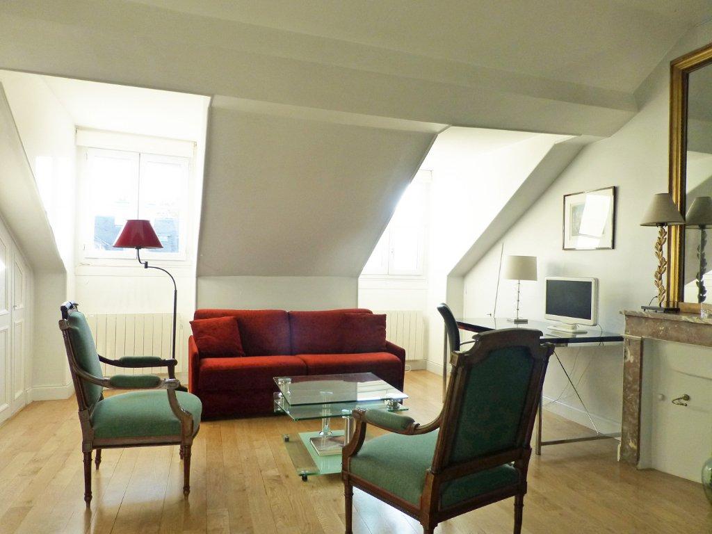 Appartement meublé 46.57 m² 75007