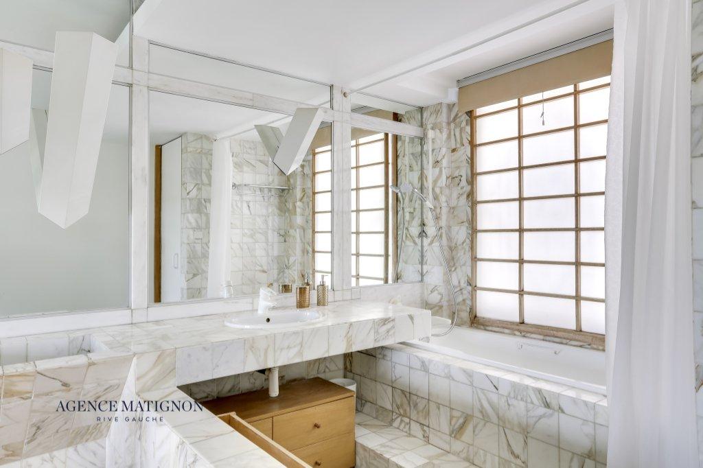 Appartement Paris 6 pièce(s) 215 m²