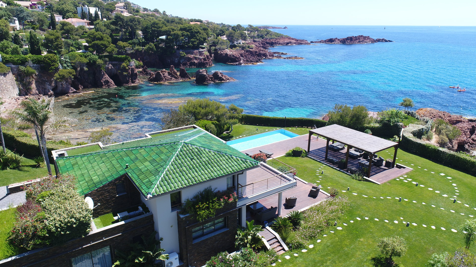 Agay, luxury waterfront property of 350sqm panoramic sea view