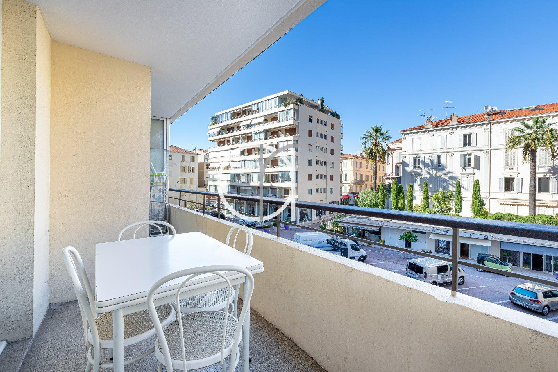 GRAND HOTEL - 1 BEDROOM WITH TERRACE