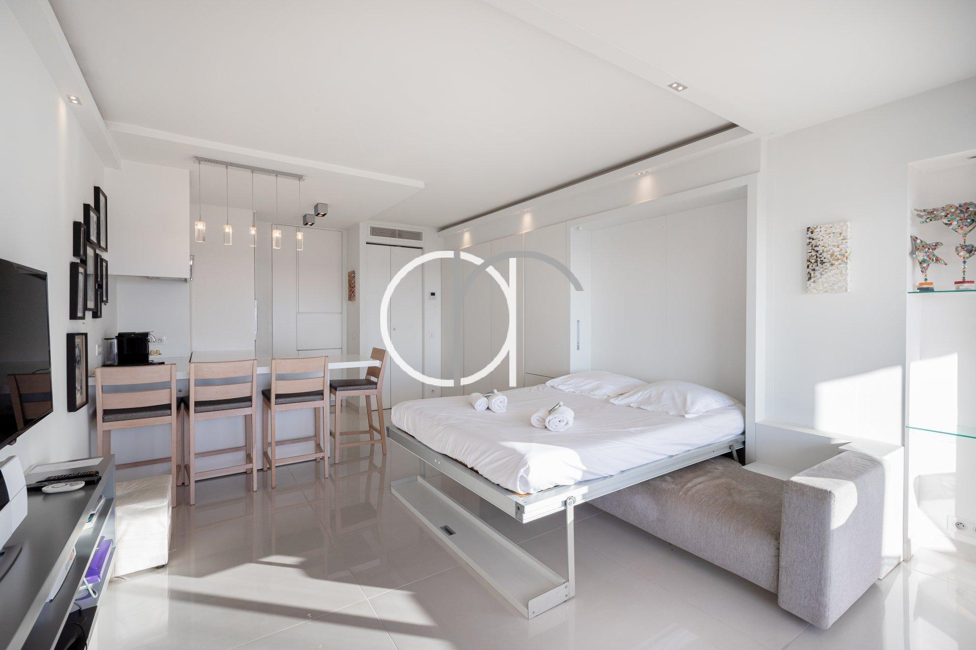 CROISETTE - GRAND HOTEL - STUDIO VUE MER
