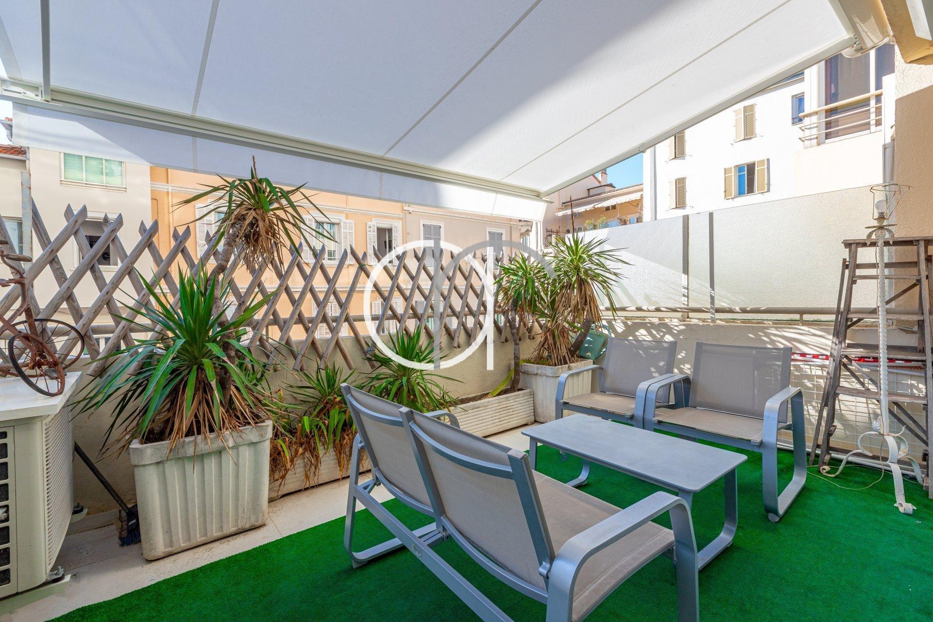 GRAND HOTEL - 1 CHAMBRE AVEC TERRASSE