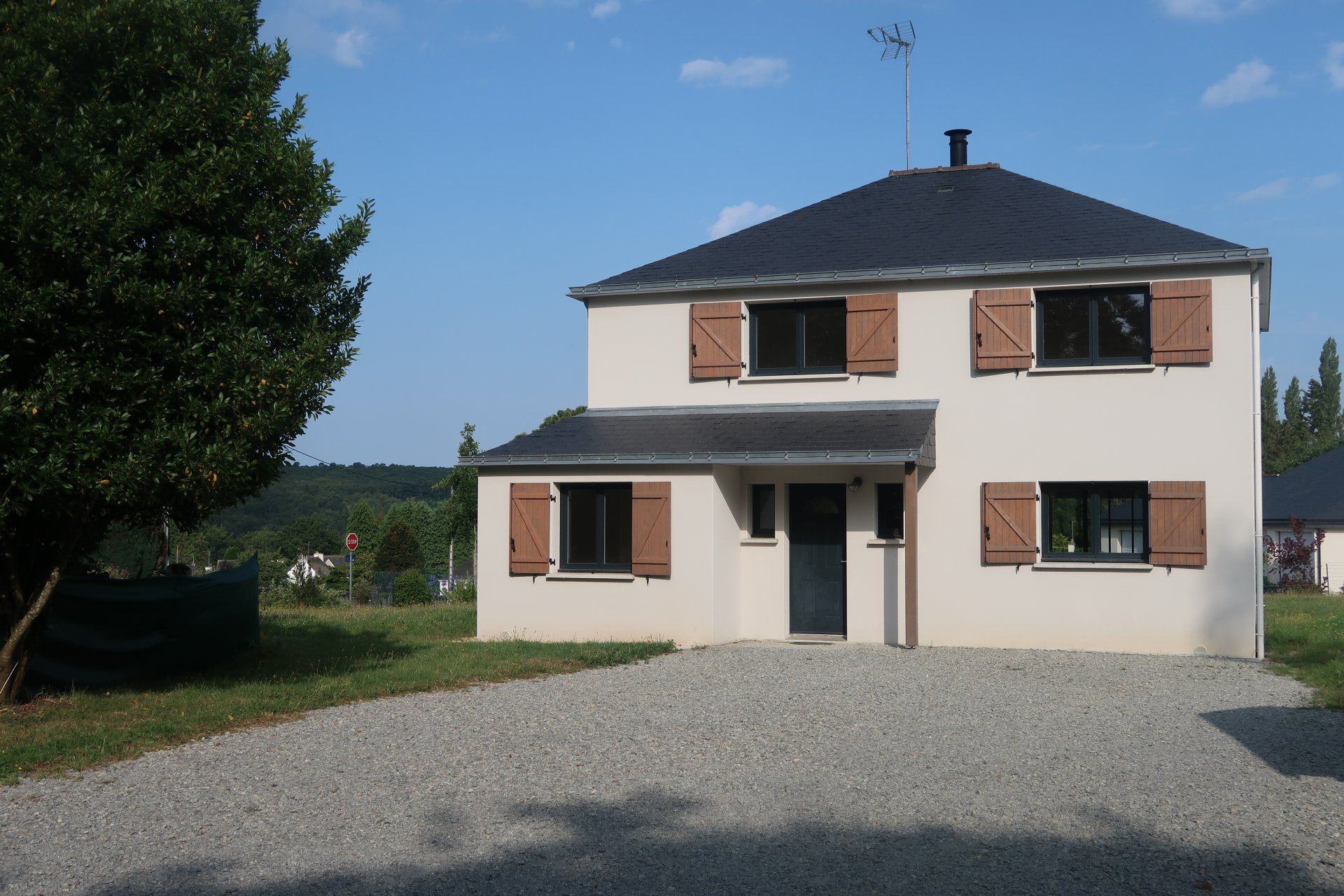 MELRAND , superbe maison  de 5 pièces, garage sur terrain 1161m²