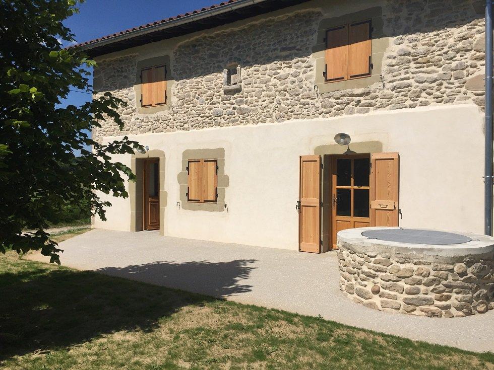Superbe maison 3 pièces en pierre