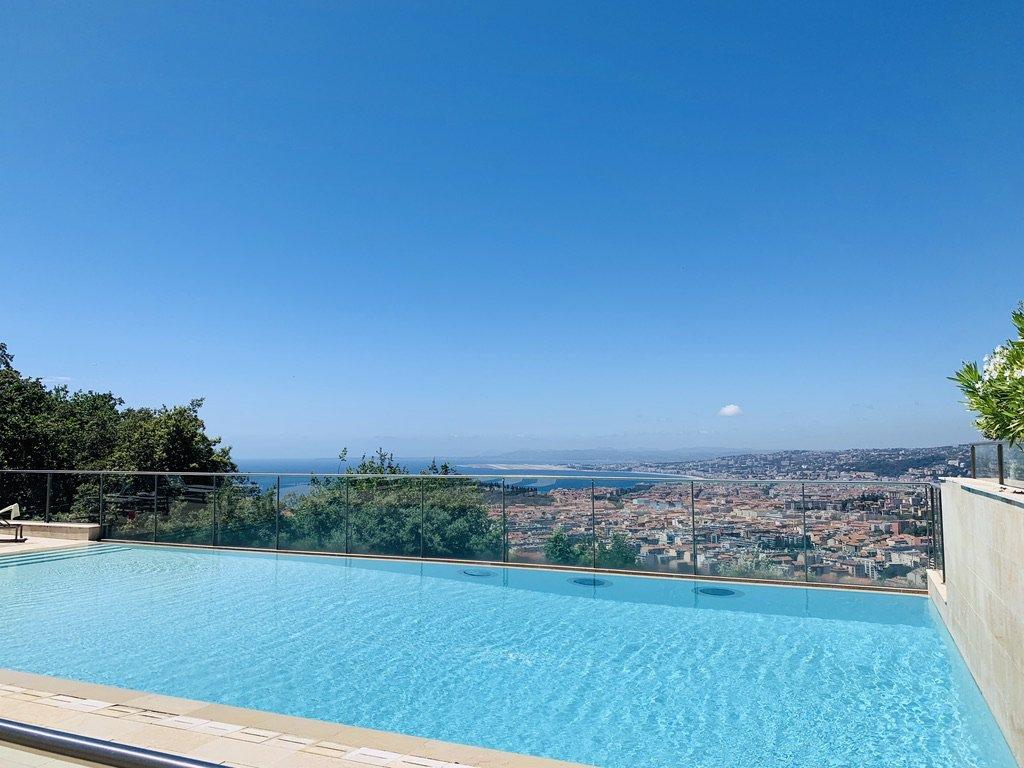 Mont-Boron/Vinaigrier superbe appartement avec jardin vue mer
