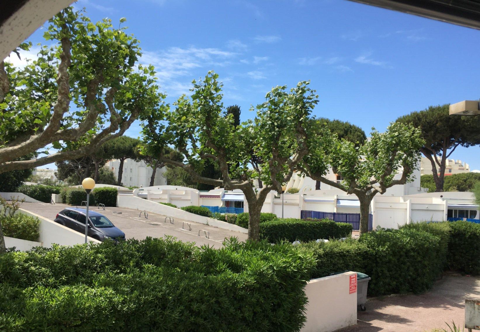 T1 COUCHANT LA GRANDE MOTTE avec loggia et place de parking dans résidence avec ascenseur