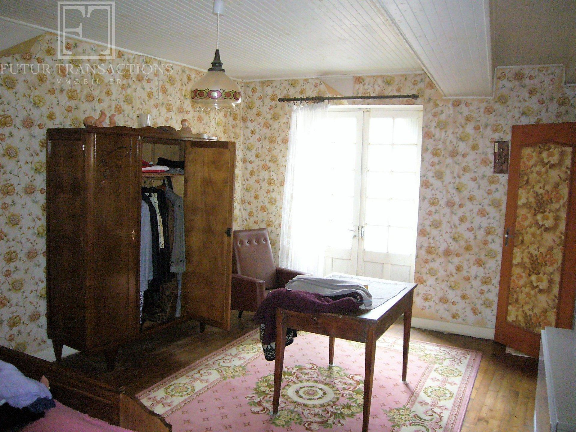 Maison, grange, atelier sur 730 m²