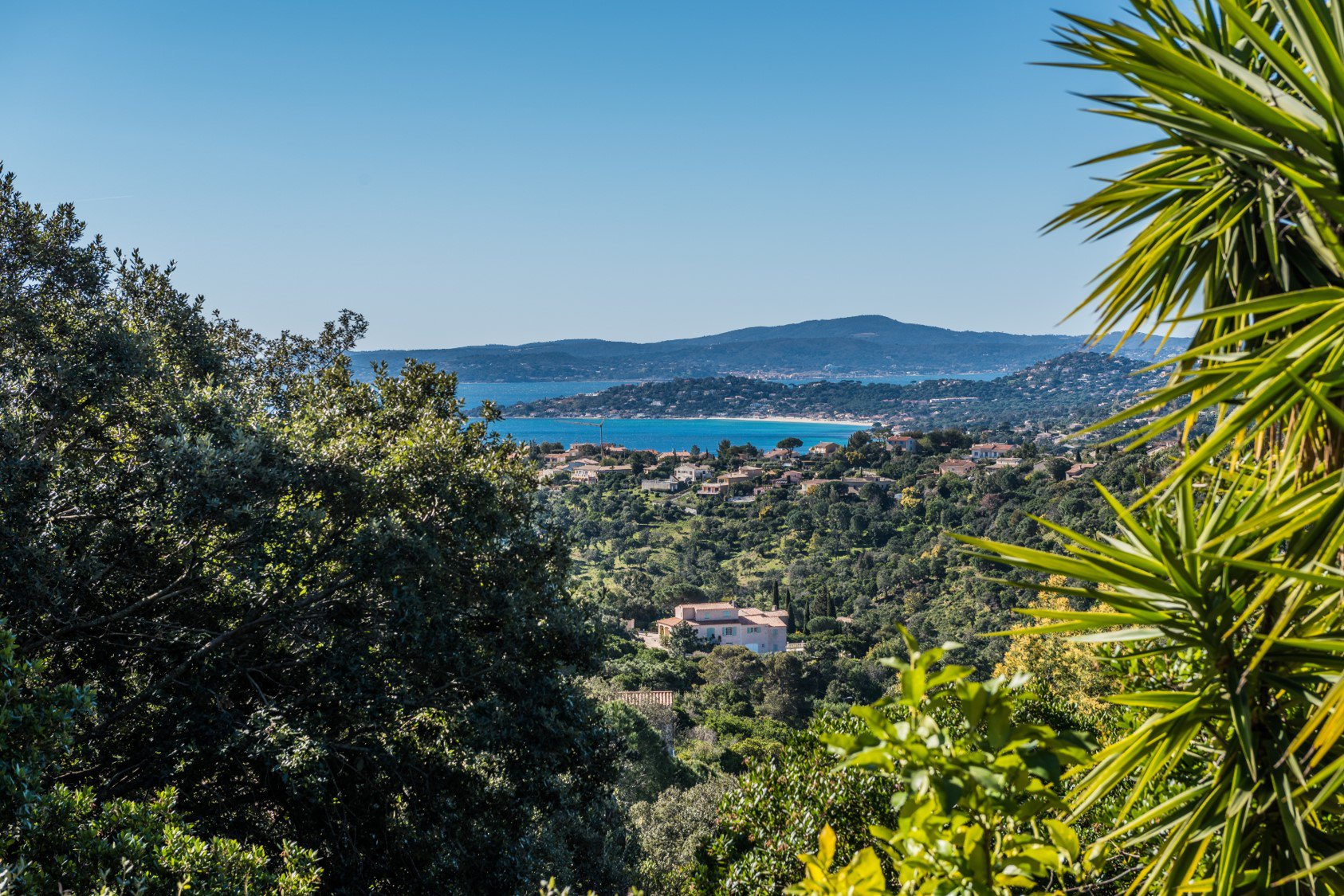 Provencal house with sea view on Saint-Tropez