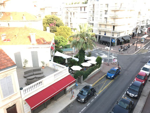 2 Bedroom Apartment on TOP FLOOR. Antibes - CL3