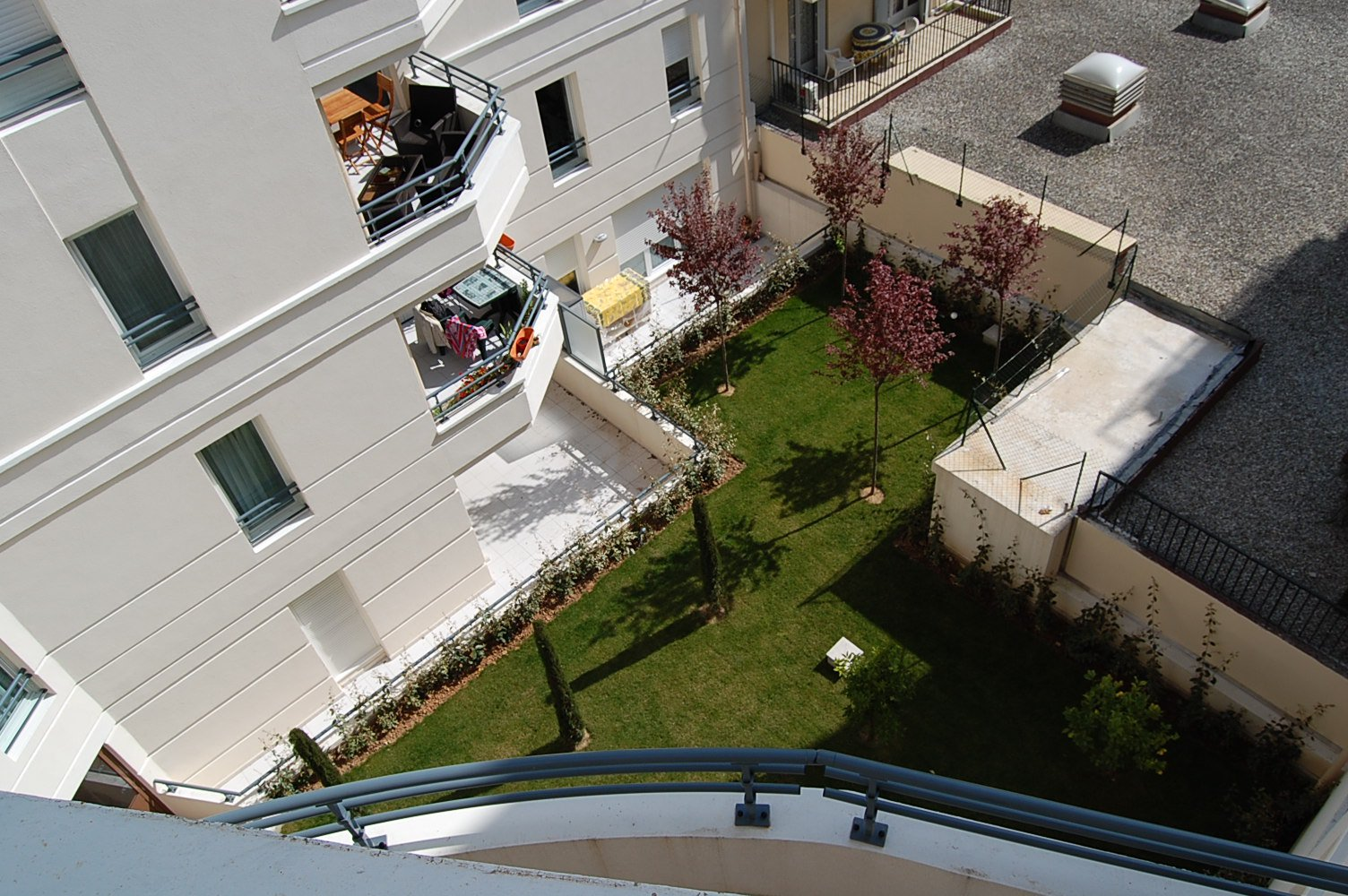 2 Bedroom/2 bathroom EXCEPTIONAL Apartment with over 50 M2 TERRACE in the centre of ANTIBES