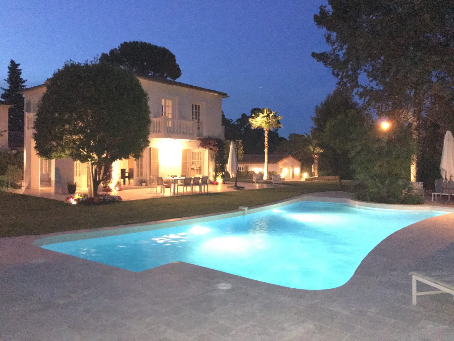 5 Bedroom / 5 Bathroom Villa with pool on the Cap d'Antibes - ID Villa Caroline