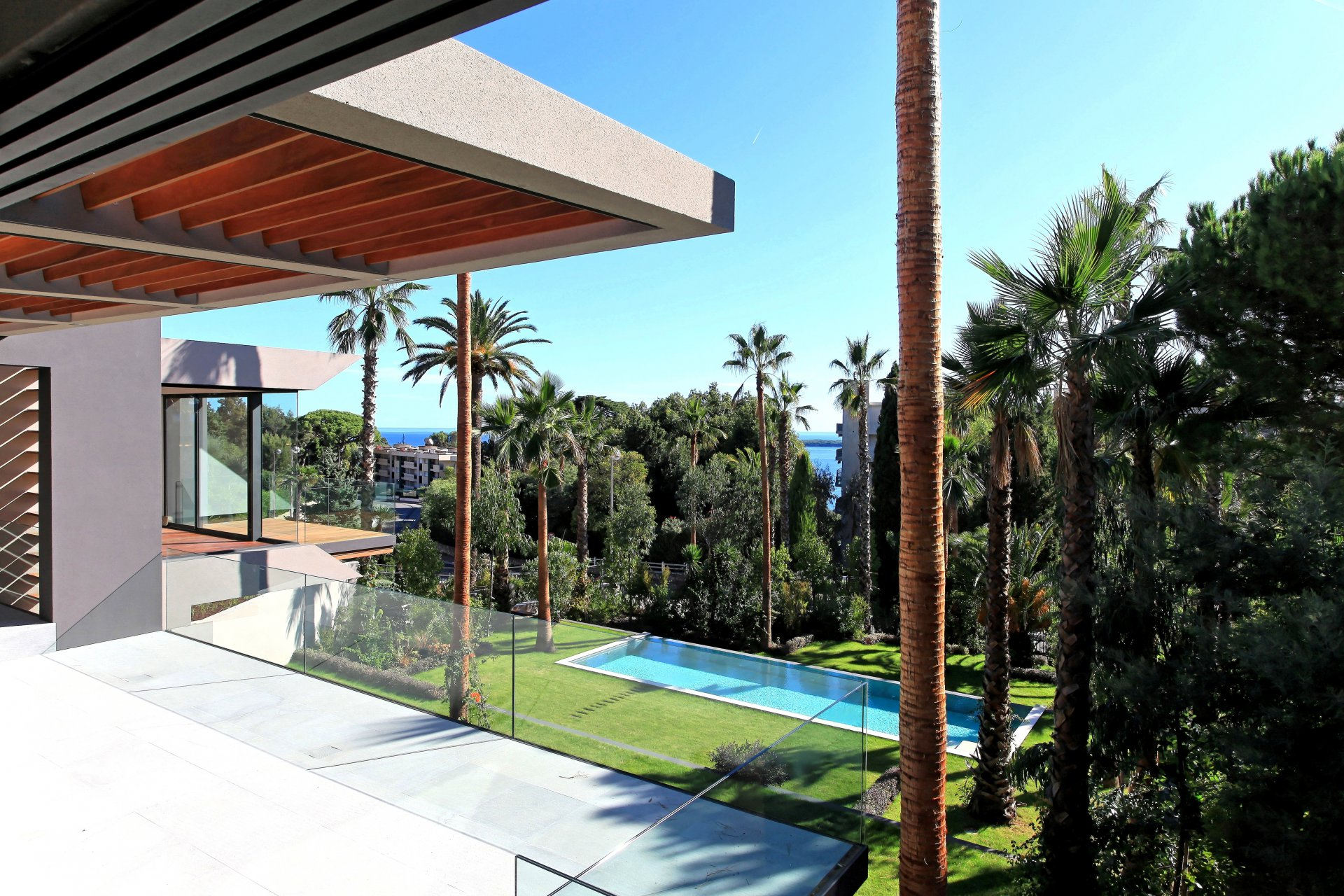 CANNES CALIFORNIE - CONTEMPORARY VILLA 470 M²