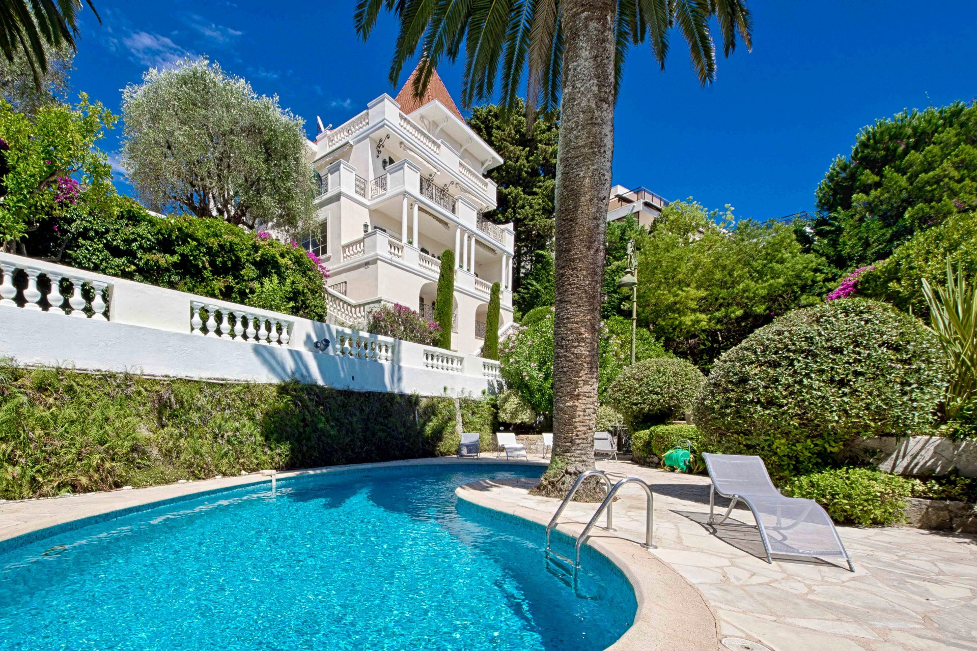 CANNES CALIFORNIE - ATYPICAL MANSION 400 M²
