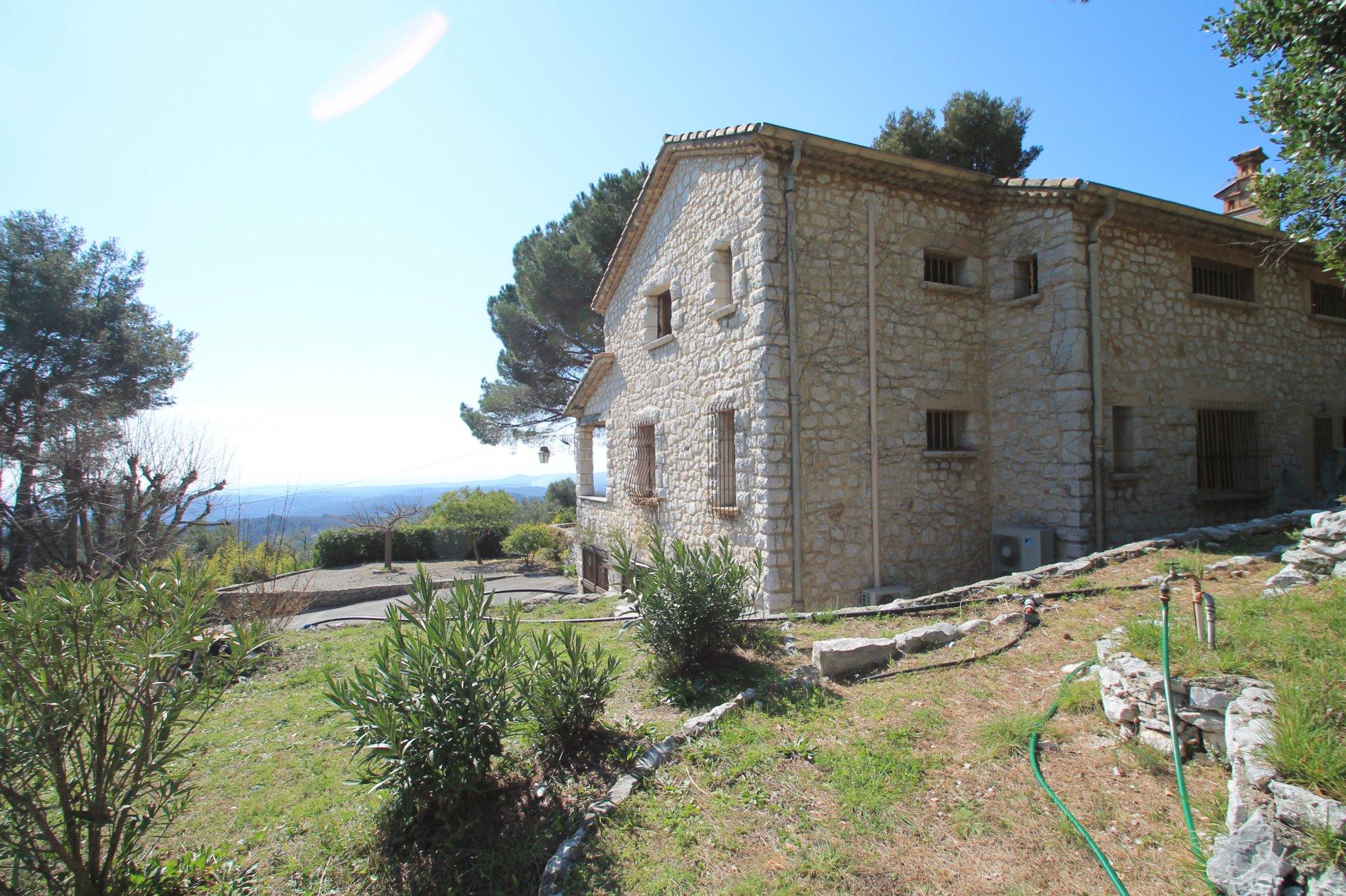 Beautiful stone farmhouse with sea view